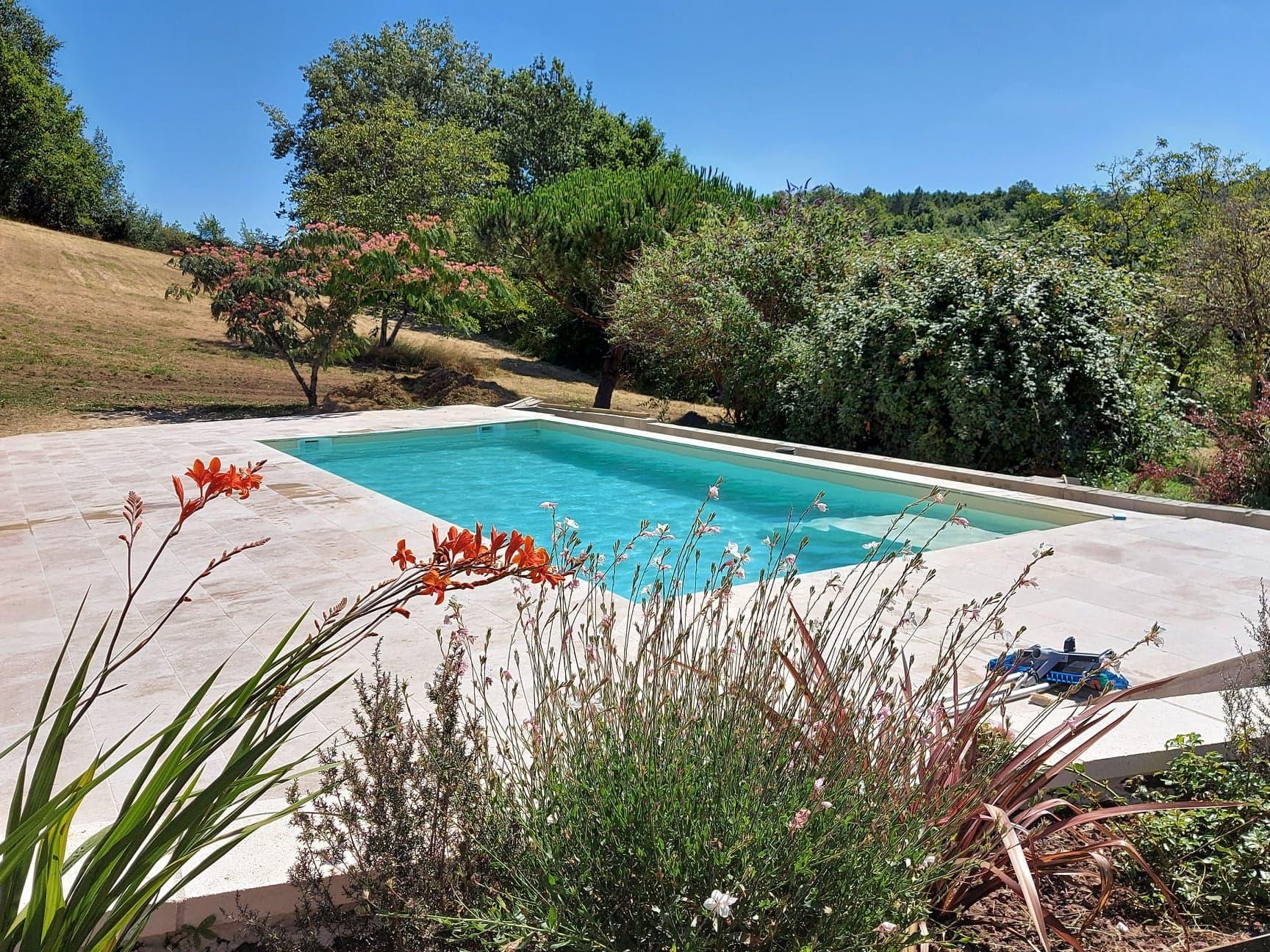 construction piscine La roche chalais